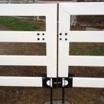 white-double-gate-black-ground-anchor-2