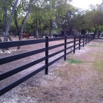 fence-line-with-horse