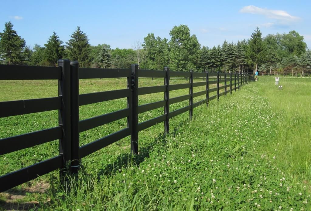 A Steel Horse Gate That Perfectly Complements Your Horse Fence