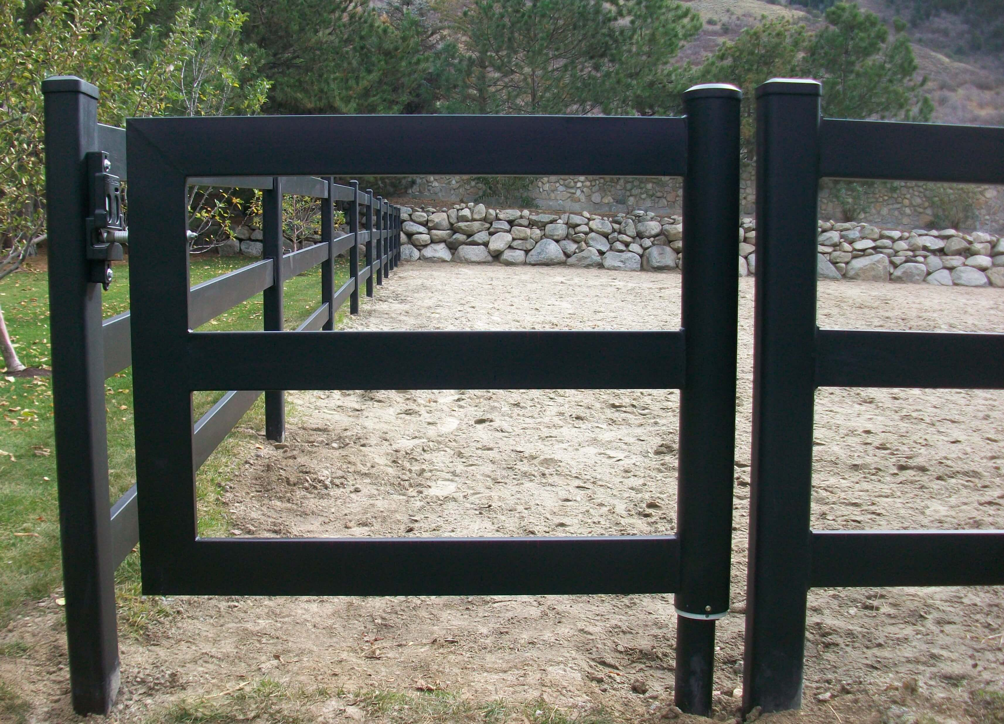 A steel horse gate that perfectly complements your horse fence a steel horse gate that perfectly complements your horse fence baanklon Gallery