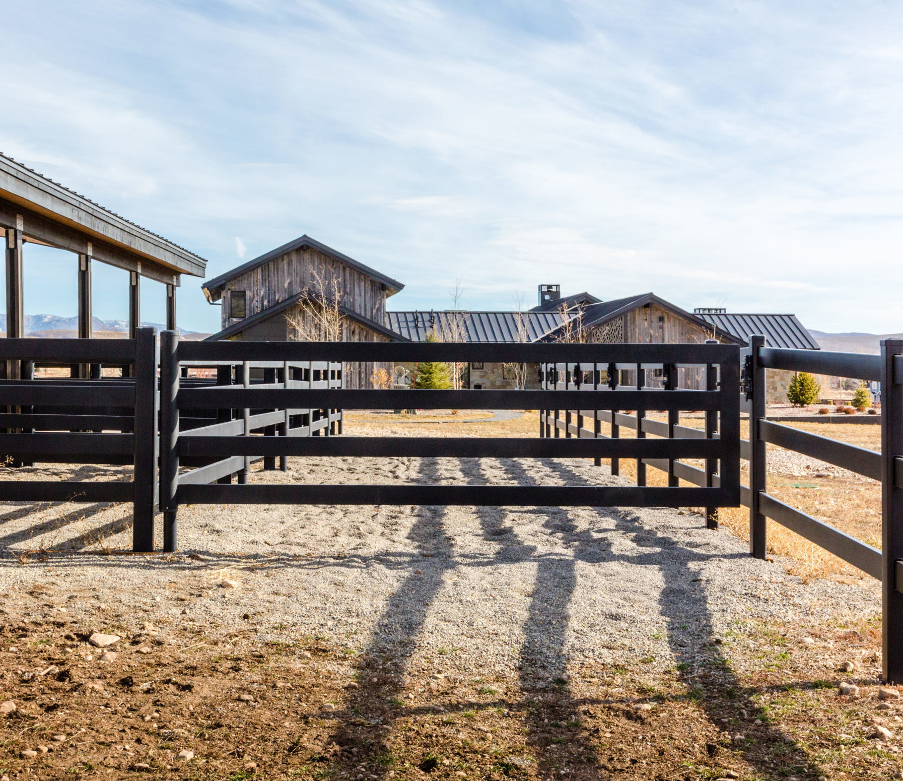 Sls Caw Wood And Mesh Fencing 4x1sugars Legacy Stables